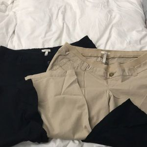 Lot of 2 maternity tan and black size 12 crop pant